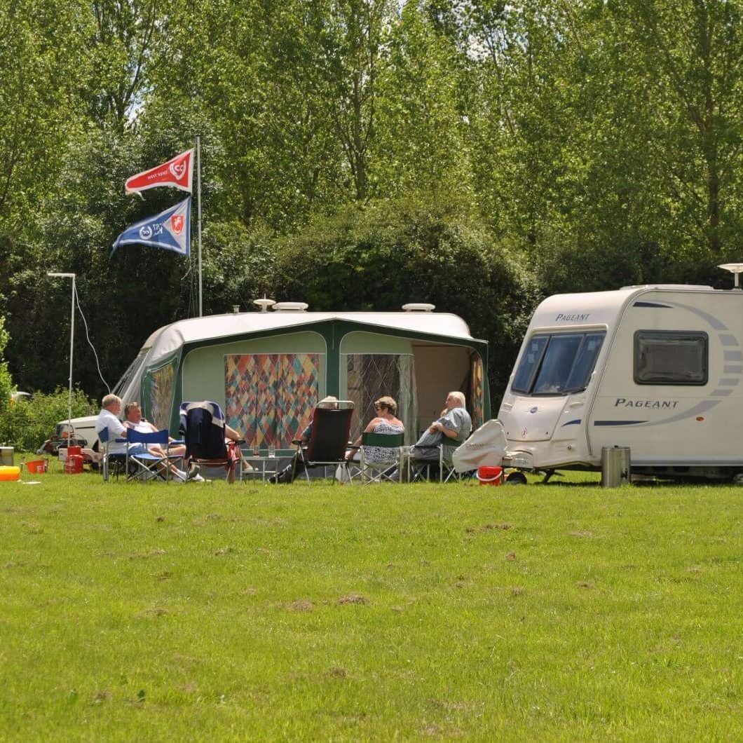 Gabriels-Campsite-and-Fishery-Kent-1920x1060