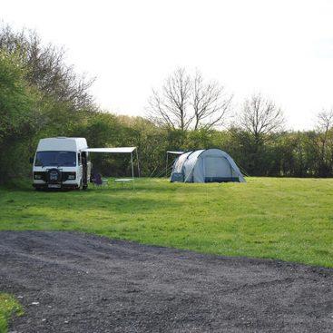Camping & Caravanning at Gabriels Fishery, Kent